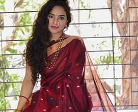 10 ways to drape a saree - How many do you know?